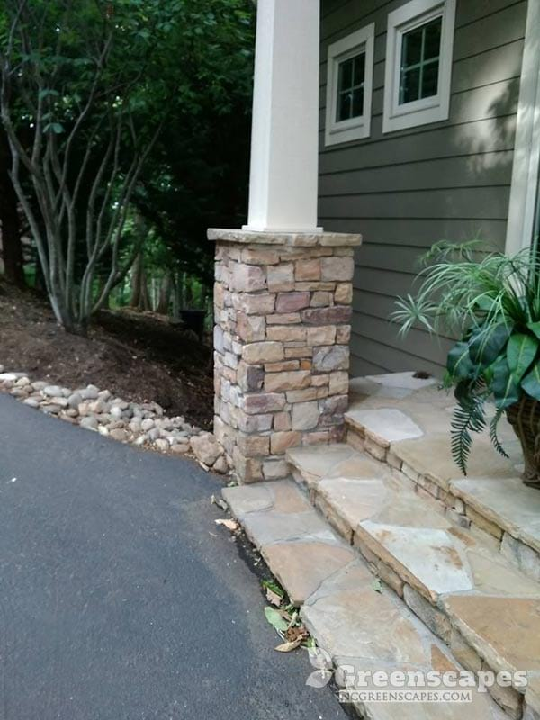 beautiful natural stone column masonry work